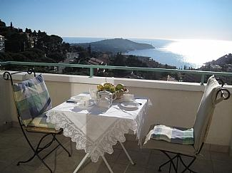 VILLEFRANCHE SUR MER APARTMENT RENTAL, NEXT TO NICE