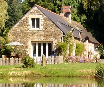 Lovely Morbihan cottage rental with Heated Pool in Brittany, Cleguerec, France / La Creperie