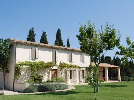 Provence Holiday Home with Private Pool, Between Avignon and the Alpilles