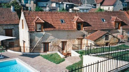 Salignac Eyvigues holiday cottage rentals in Dordogne, near Sarlat, Shared Pool