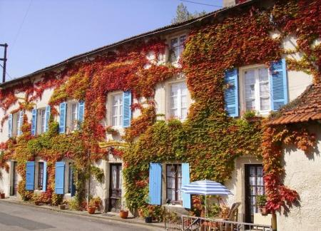 Activity Holiday with Bed, Breakfast & lunch included, Mareuil-Sur-Lay