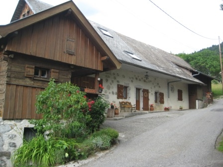 Rustic, Between Lake and Mountains, Haute Savoie Holiday Home