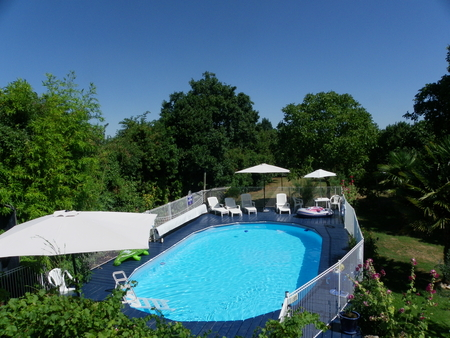 Vendee Farmhouse Rental with Pool in Lucon, Loire / Le Tournesol