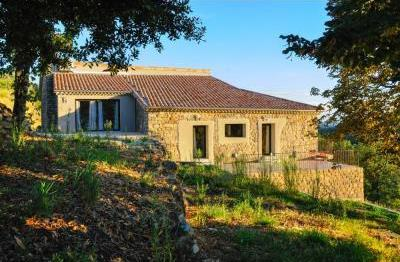 Superb 6 bedroom Chassiers Holiday Home rental in Ardeche, France / Mas d`Alice