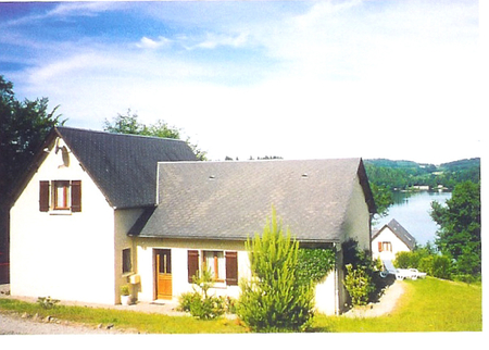 4 bedroom Neuvic Lakeside House rental in Limousin, Correze, France