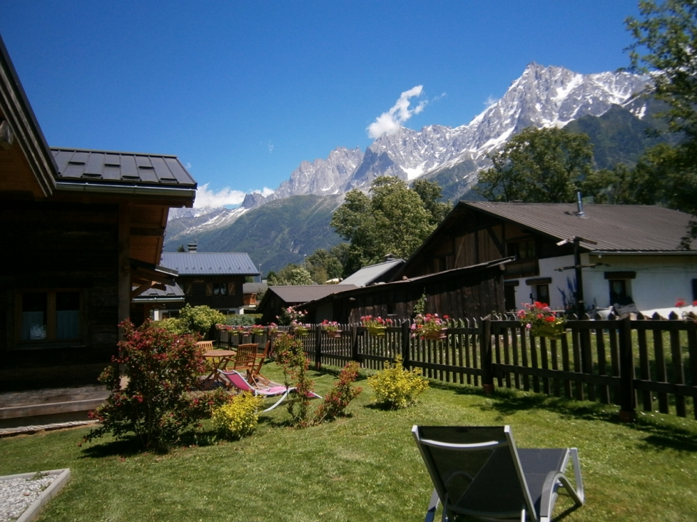 Chalet rental in Les Houches, France / 2 Bedroom Chalet, 1km to Ski Lifts