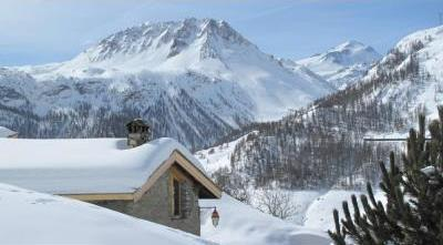 5 bedroom Luxury Chalet in  Tignes les Boisses, Savoie, France / WIFI Internet
