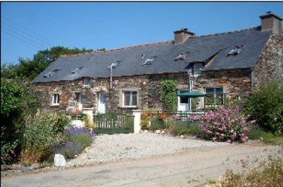 Self Catering Cottages to Rent in Brittany, Cotes d'Armor, France