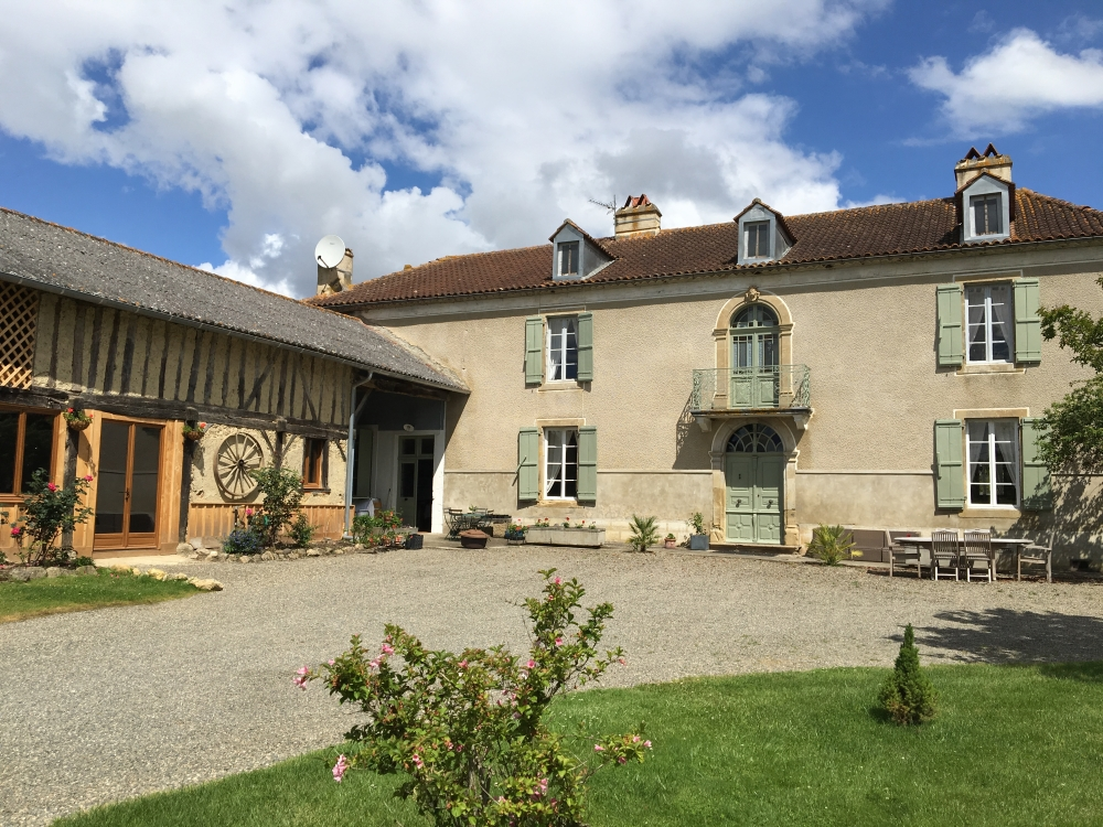 6 bedroom Ladeveze-Riviere Farmhouse rental with Pool in Gers, France