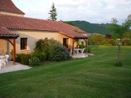 2 bedroom Gite rental Midi-Pyrenees, Lot, Degagnac / L'Hirondelle