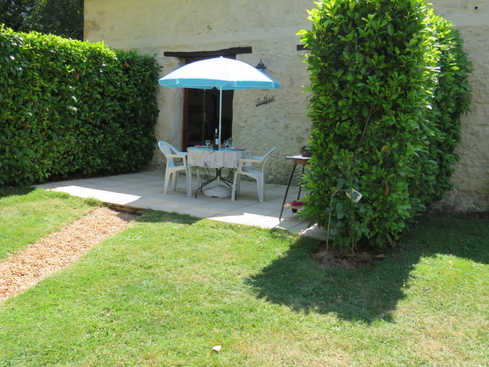 Gers gite rental with Pool in Midi-Pyrenees, Justian, France / Porthos gite