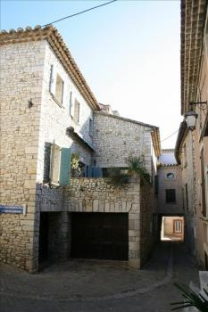 Beautiful Sablet village house rental in Cote-d`Azur, Vaucluse, France