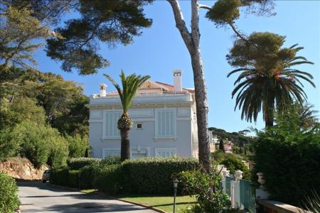 Stunning luxury French style apartment, Ste  Maxime overlooking the Gulf of St Tropez, Swimming pool