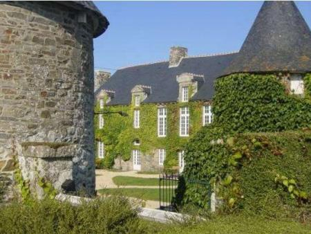 Brittany Holiday Cottages and Bed and Breakfast between Saint Malo and Mont Saint Michel