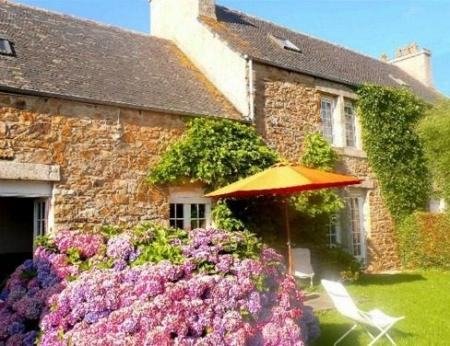 Self Catering Holiday Home to rent in Plougasnou, Brittany, France