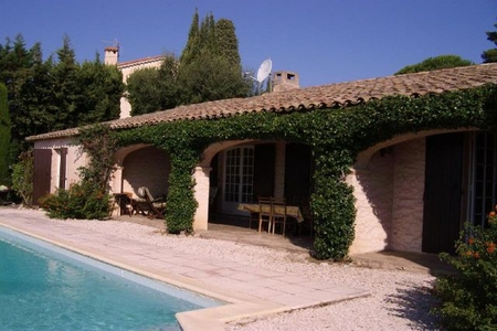 Sainte-Maxime Self Catering Holiday Villa with Pool / 0079