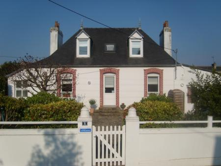 Holiday Villa rental in Carantec, Brittany, France / Self Catering