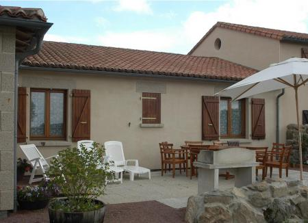 Deux Sevres Holiday Gite to rent, Nr Argenton Les Vallees, France / Le Chene