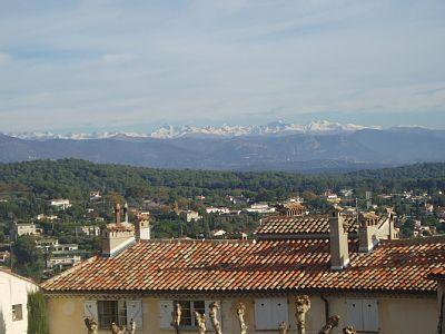 Luxury Mougines Apartment for Rental, Provence, France /  Muriers