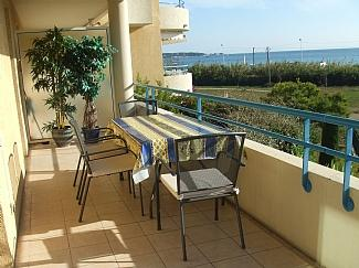 Lovely Juan Les Pins  beach-side apartment with stunning views near Antibes