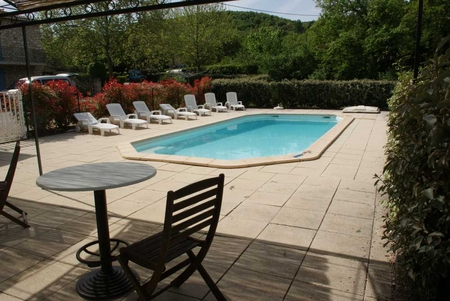 Self Catering Luberon Holiday Villa with Private Pool in Saignon, France