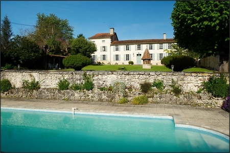 Gorgeous Traditional Country House in Aubeterre-sur-dronne, Near Dordogne, France / La Sauzade