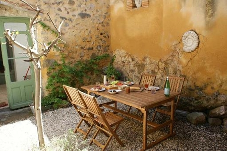 Delightful Holiday House to rent in Azille, Aude, Languedoc, Minervois, France; near Canal du Midi