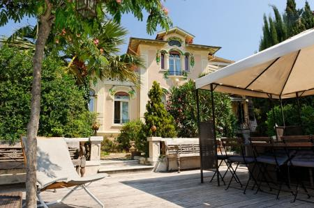 Luxury Holiday Apartment to Rent in Cannes, Centre-ville-Croisette / Set in a Private House
