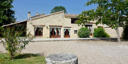 Luxury Dordogne Holiday Home with PRIVATE HEATED POOL and FREE CAR HIRE, France/Maison Des Bois