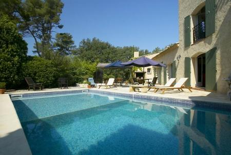 Luxury Holiday Villa Rental with Swimming pool in Aix-en-Provence, France
