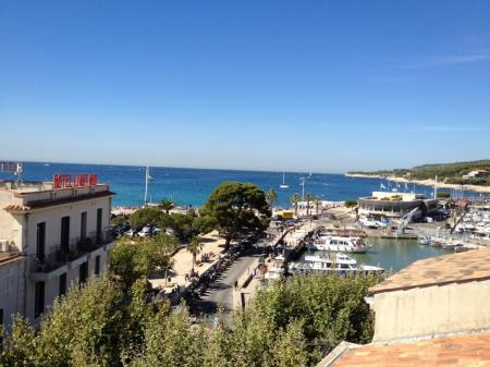 Cassis Holiday Apartment Rental, Marseille area, 15 metres to Harbour City Centre