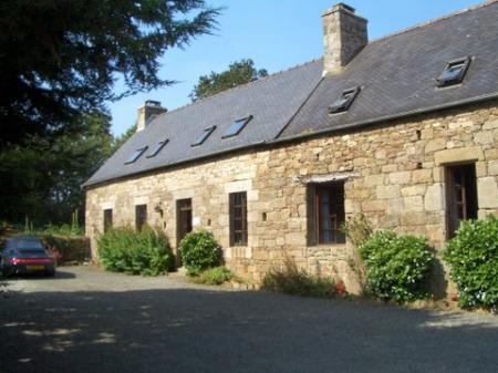 Lovely Holiday Home with Pool in Plouaret, Brittany, France - FARM HOUSE