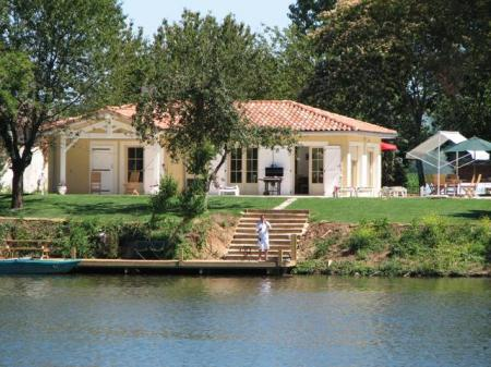 VILLA LA RIVE - Luxury villa on the borders of the river Lot Carp fishing