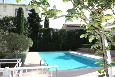 Holiday Apartment with Terrace and Pool, Cannes, France