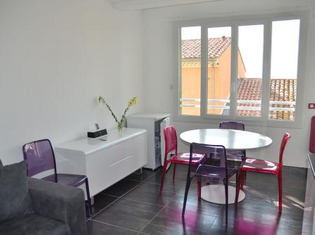 Holiday Rental Apartment, Bandol, Provence, 200 Metres from Beach