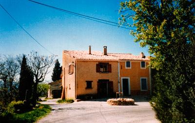 Simple Provencal house to rent in Vaucluse, France ~ Croagnes Little house