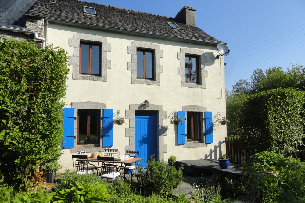 Historic Self-Catering Holiday Cottage to Rent in Finistere, Brittany / Granary Gite