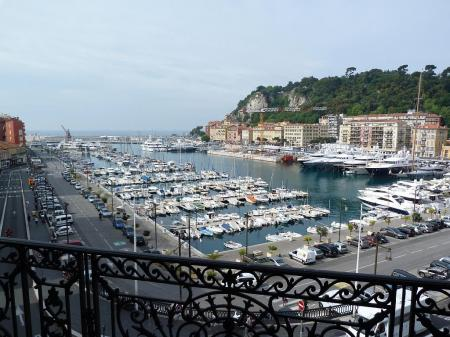 Large holiday rental apartment in Port of Nice, France