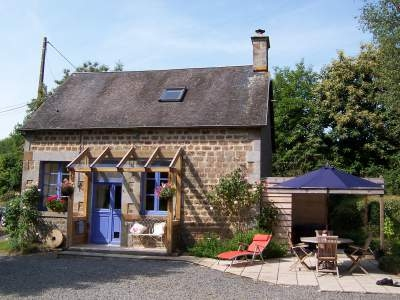 Self Catering Holiday Rental Cottage in Manche, Normandy, Let Thur - Thur. No toll queues