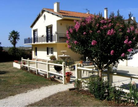 Luxury Vendee Holiday Villa Rental Near St Valerien and Fontenay Le Comte, France