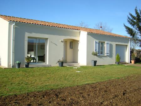 Brand New Holiday House for Rent in Charente Maritime, Champagnolles near Gemozac, France