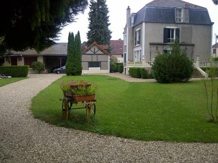 Beautiful Burgundy Holiday Cottage to rent, Between Chablis and Vezeley