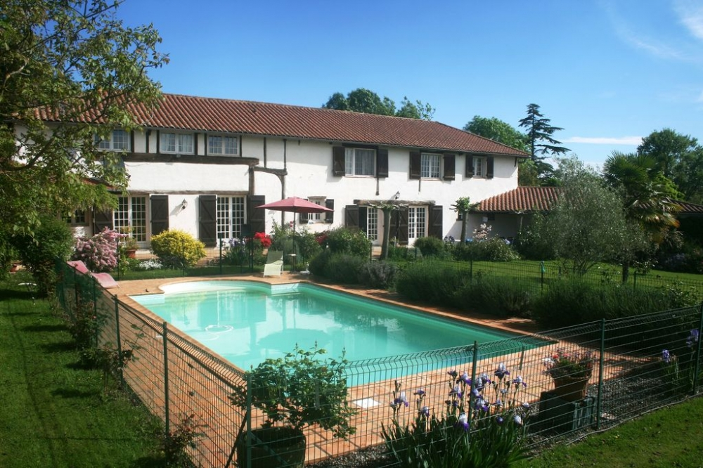 Holiday Villa with Private Heated Pool, Estampes, Gers, South West France
