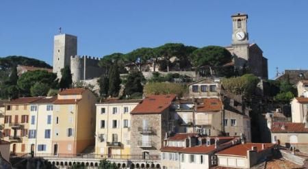 Cannes Holiday Apartment in Centre-ville-Croisette, Near Superb Beaches