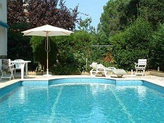 Holiday Villa Rental in St Genis des Fontaines, Languedoc Rousillion, France
