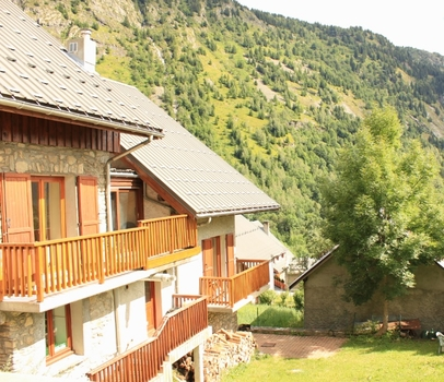 Holiday Chalet Rental in Alpe d`Huez, Isere / Chalet Rostaing