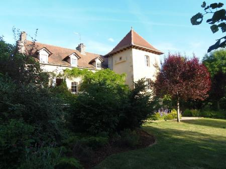Beautiful 18C Aveyron House & Pool with Landscaped Gardens, Nr Villefranche de Rouergue, France