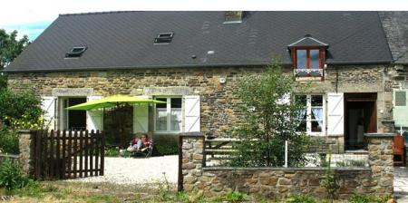 Holiday Self Catering Farmhouse in Haut-Maine, Normandy Natural Park