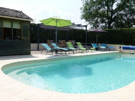 Lovely Stone Farmhouse, Private Heated Pool, Beautiful French Countryside Views