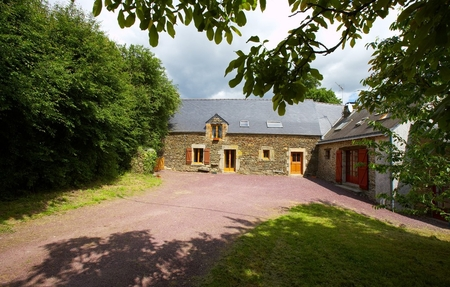 Spacious Stone House and Cottage, Morbihan, Brittany, France - Le Petit Maineau